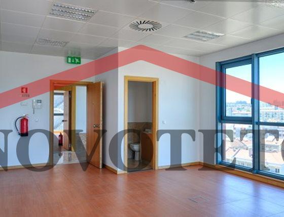 escritorios-9--f011abd3-317e-48ca-92cb-f133ee856bdf-jpg_7e56ae30-d3d6-45e9-b5c8-1192e9f13d6f