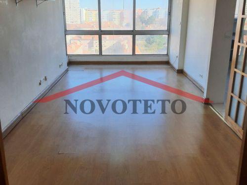 Arrendamento Apartamento T2 com Garagem no Campo Grande